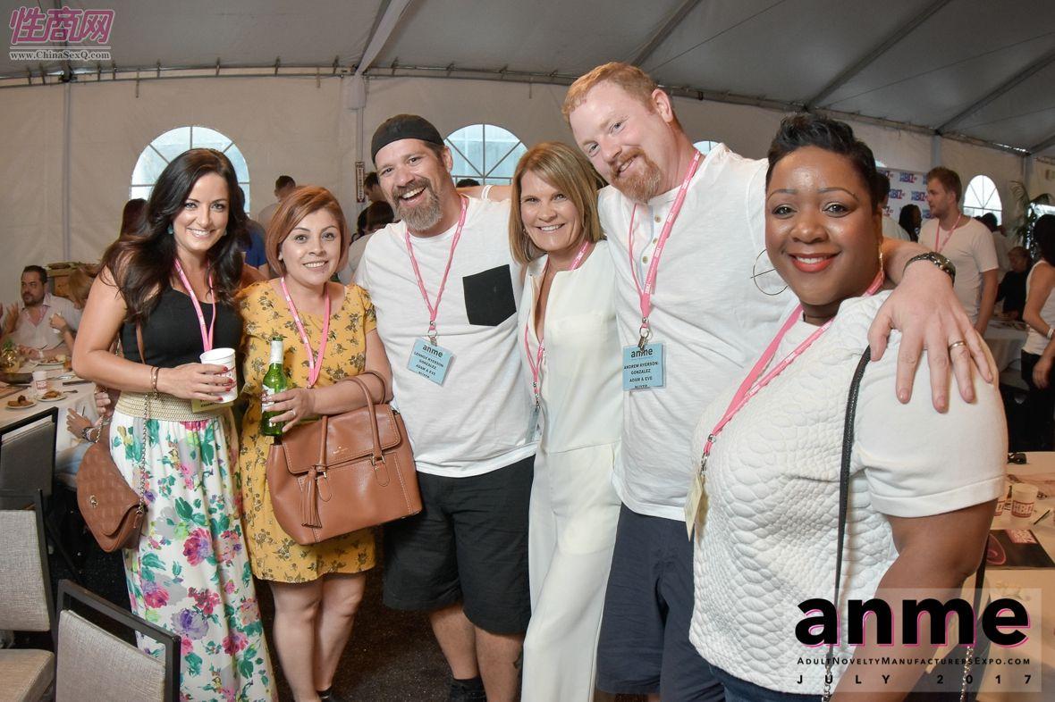 2017年夏季洛杉矶国际成人展--现场观众图片16