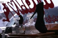 2011拉脱维亚成人展长腿嫩模展示性用品图片17