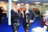 2011拉脱维亚成人展长腿嫩模展示性用品图片3