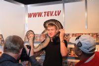 2011拉脱维亚成人展长腿嫩模展示性用品图片6