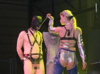 2013拉脱维亚成人展SM表演另类略显恐怖图片4