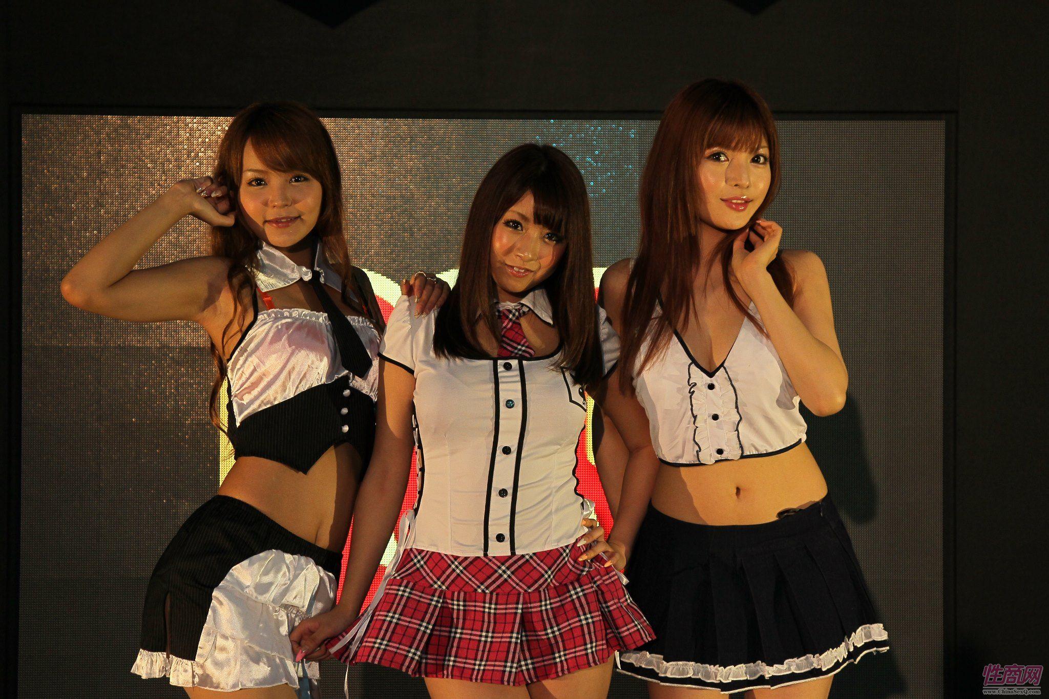 2012台湾亚洲成人博览女优助阵粉丝尖叫图片3