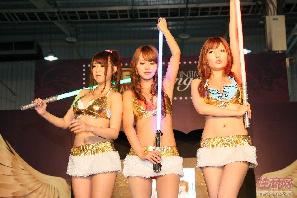 2012台湾亚洲成人博览女优助阵粉丝尖叫图片5