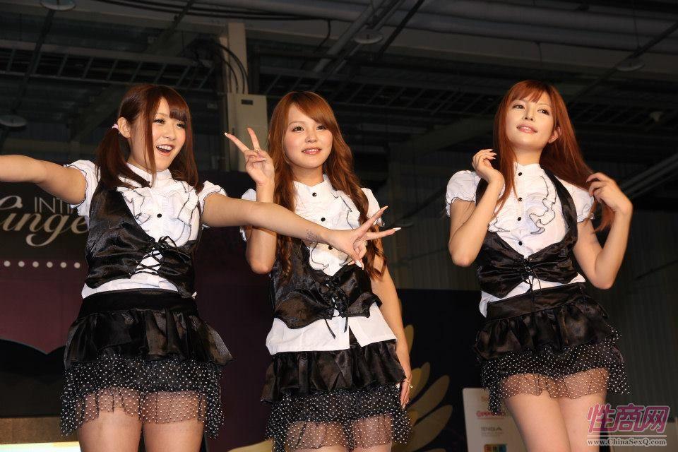 2012台湾亚洲成人博览女优助阵粉丝尖叫图片11