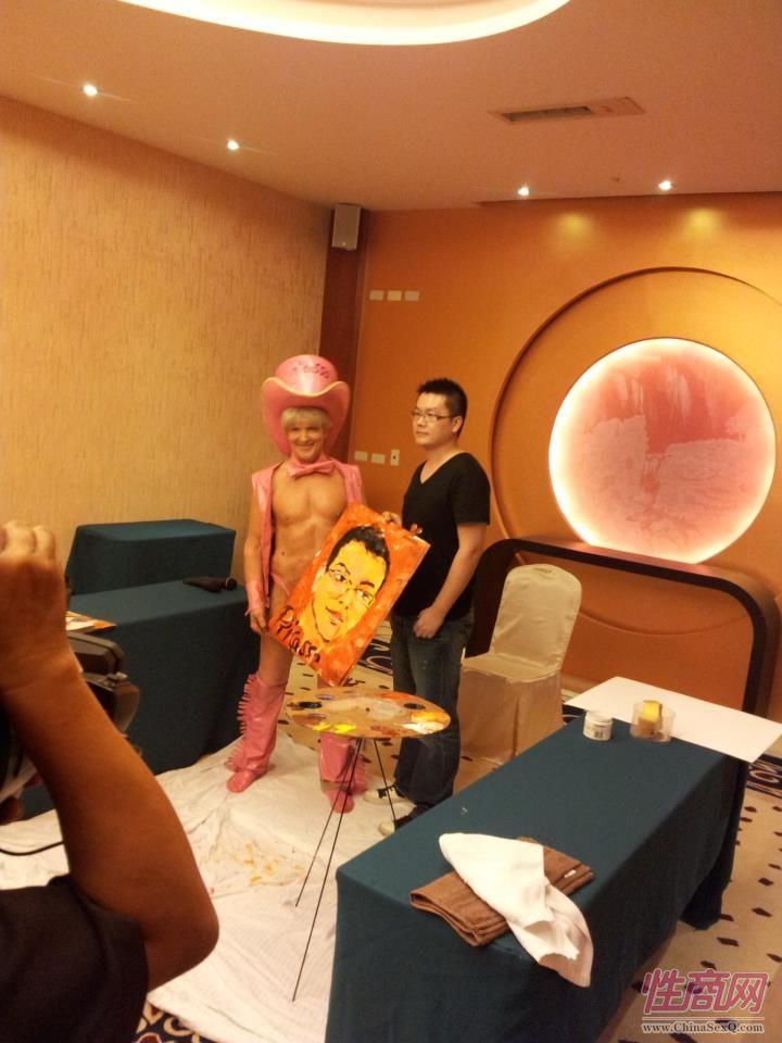 2012台湾亚洲成人博览惊现小弟弟油画家图片10