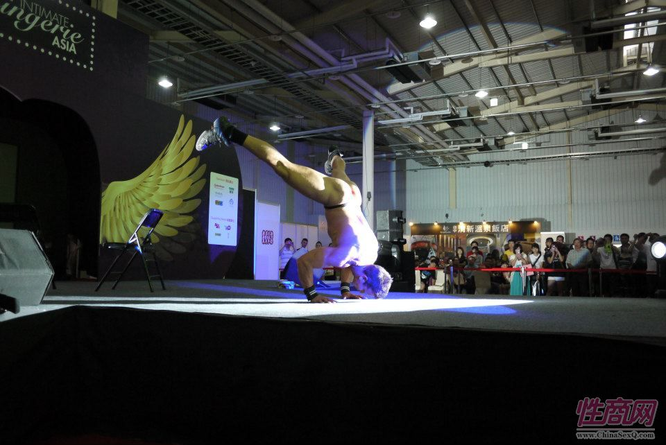 2012台湾亚洲成人博览澳洲热舞团体助阵图片19