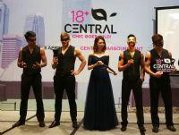 主办方为香港首届18+娱乐成人展宣传造势