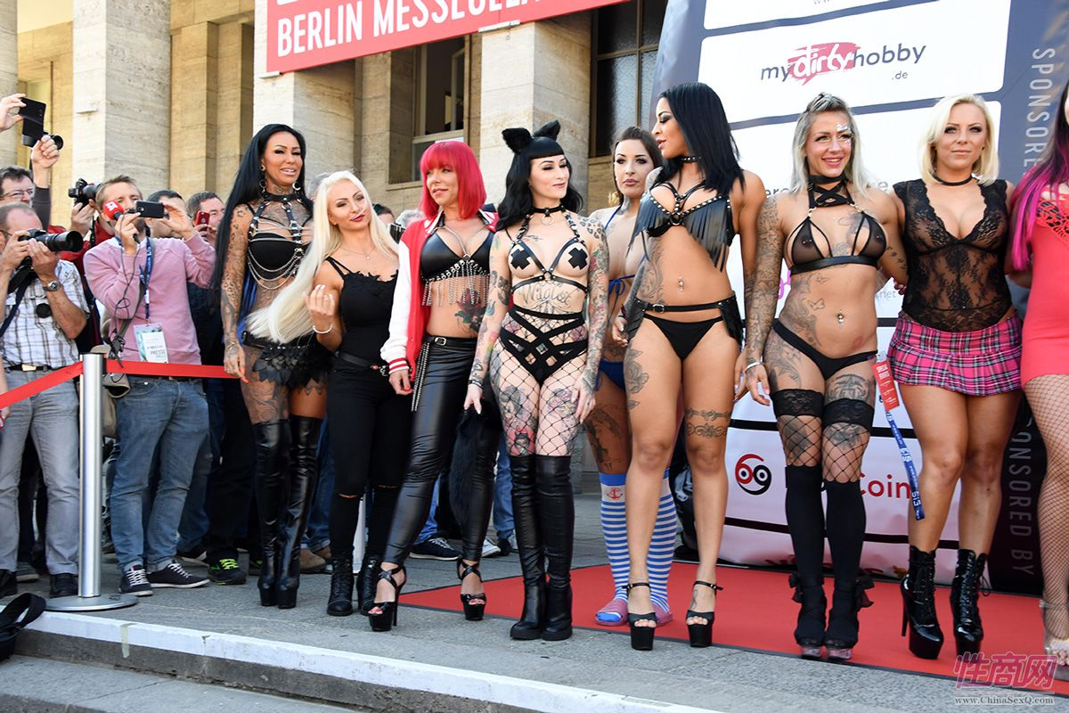 柏林成人展VENUS:成人影星