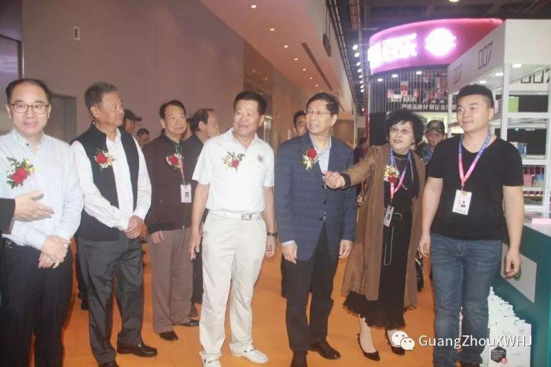 18年广州性文化节-展会现场 (38)