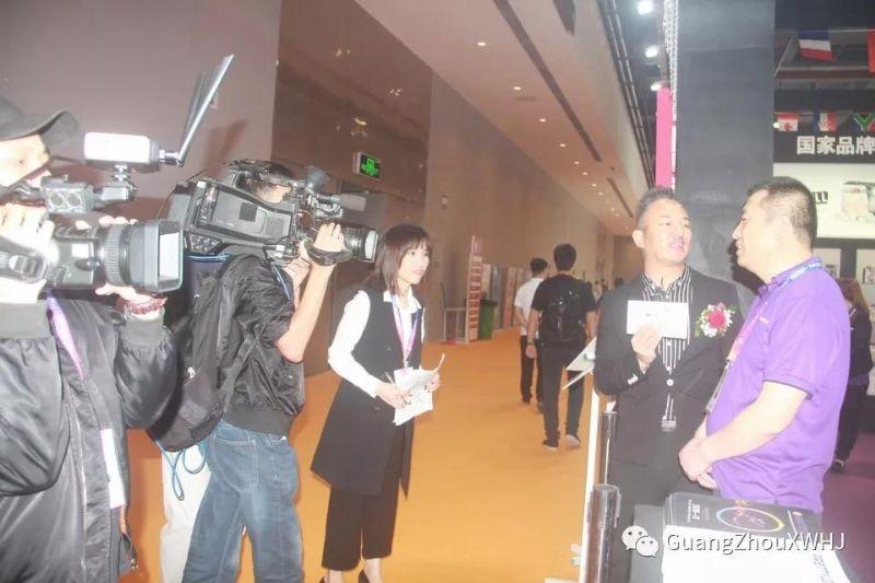 18年广州性文化节-展会现场 (42)