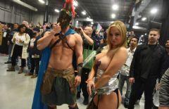 罗马武士和女模特COSPLAY