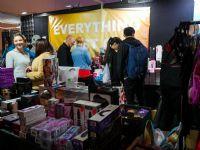 现场售卖各种情趣玩具,价格实惠,童叟无欺