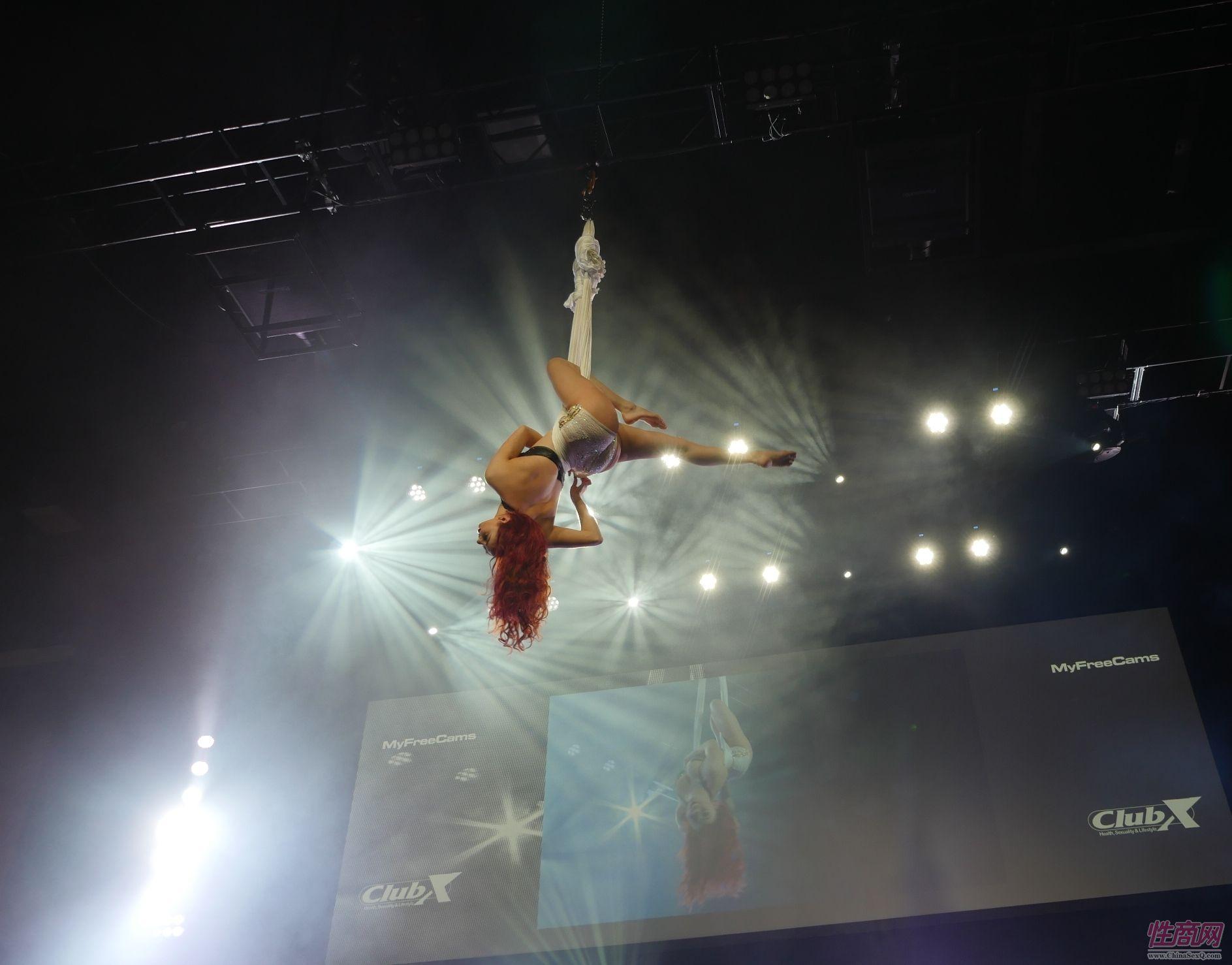 绝美高空舞蹈表演