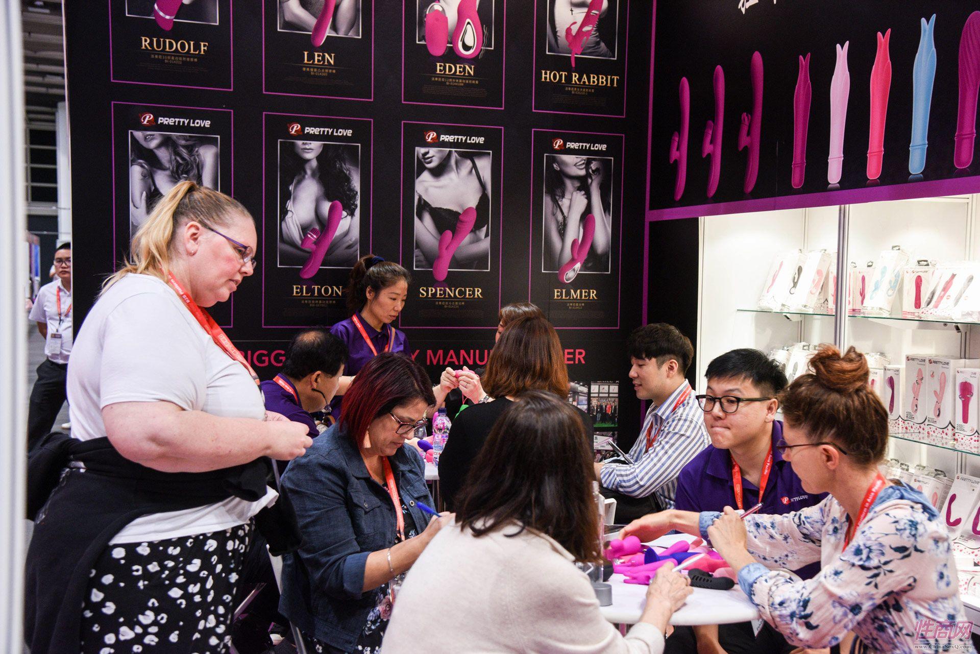 国外采购商对百乐的产品很感兴趣