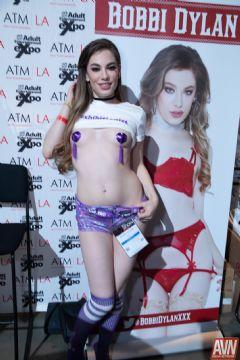 拉斯维加斯成人展AVN-成人影星BobbiDYLAN