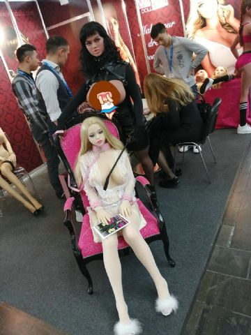来自中国的金三娃娃WMDOLL
