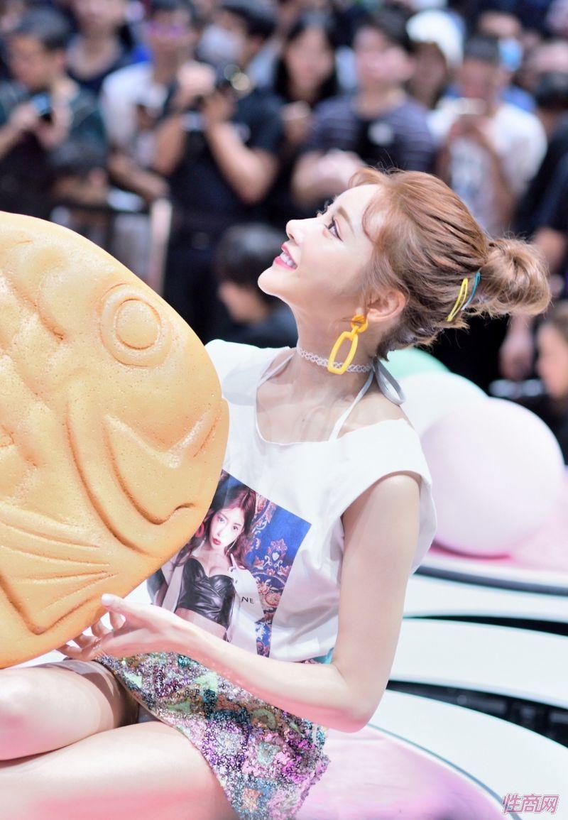 日本著名女优桥本有菜亮相台北成人博览图片56
