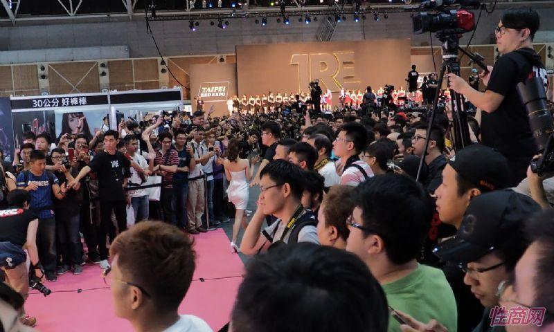 台北成人博览性感人体寿司演绎秀色可餐图片25