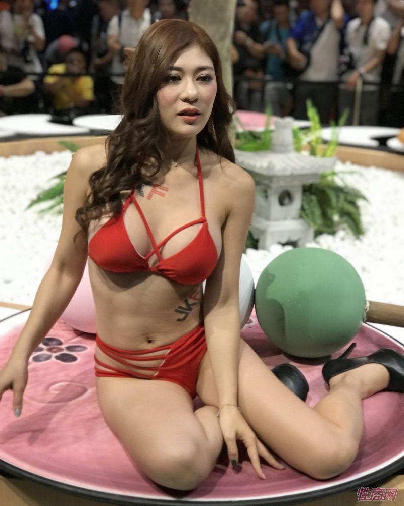 2019台北成人博览TRE本土台妹性感靓丽图片34