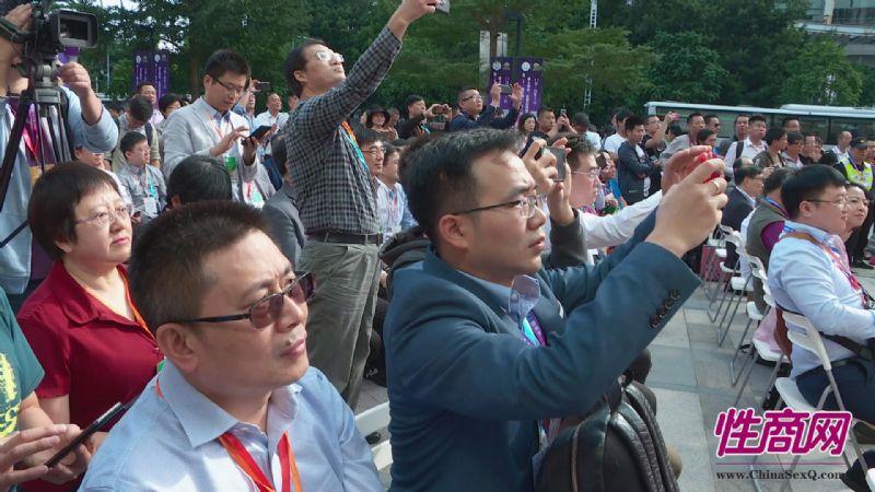 成人展好看吗?美女记者带你逛逛广州性文化节图片41