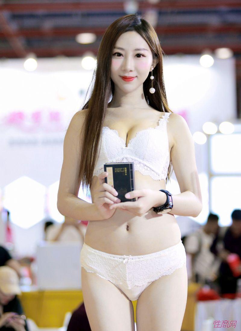 成人展好看吗?美女记者带你逛逛广州性文化节图片50