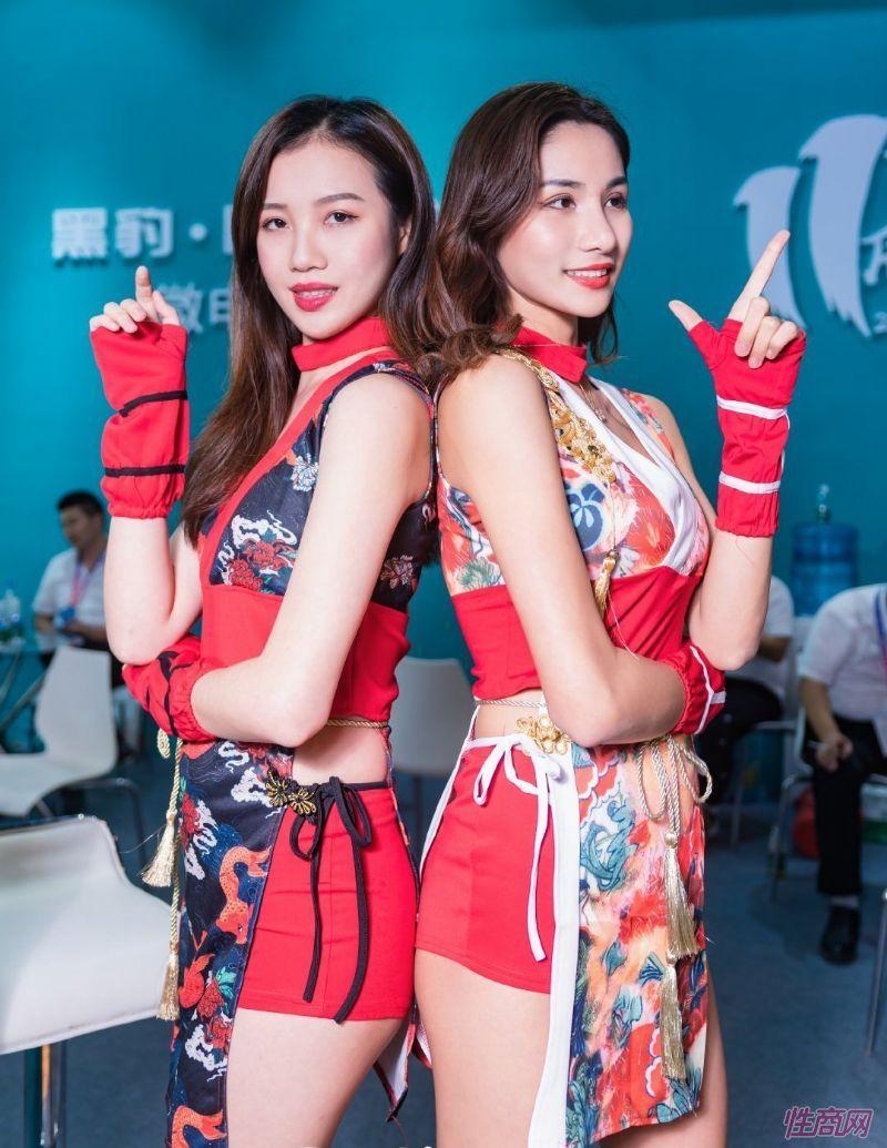 成人展好看吗?美女记者带你逛逛广州性文化节图片20