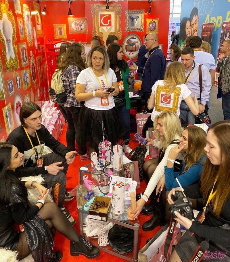 来自全球的商家参加俄罗斯成人展,有很多中国展商图片32