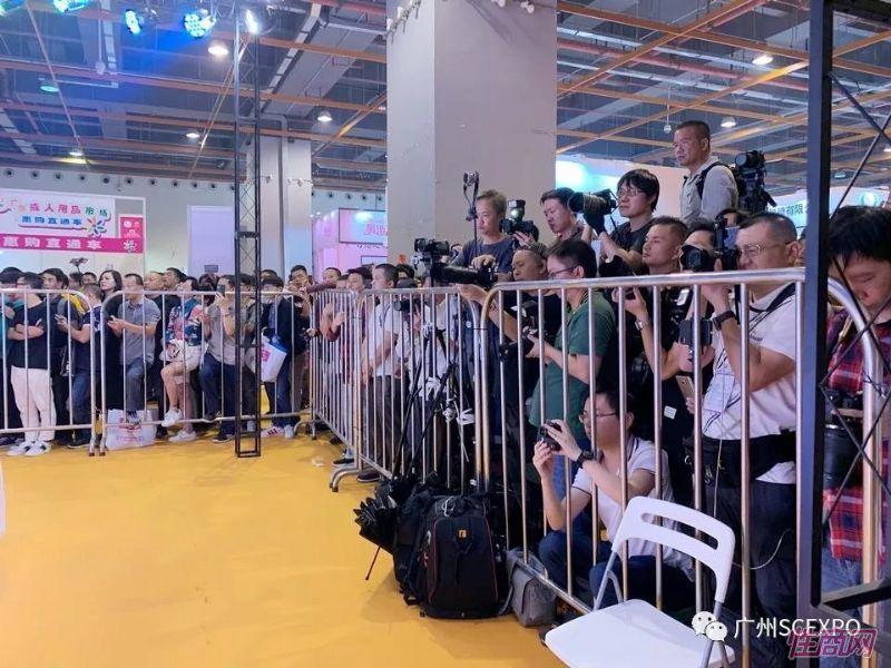广州展会现场活动(27)