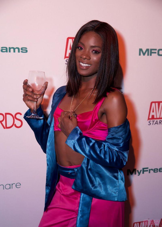 2020成人影视奥斯卡美国AVN大奖提名新人辈出 [多图]图片58