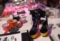 情趣高跟鞋标价70欧元