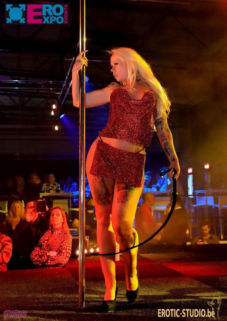 比利时根特成人展-钢管舞表演 (1)