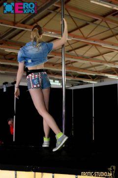 比利时根特成人展-钢管舞表演 (3)
