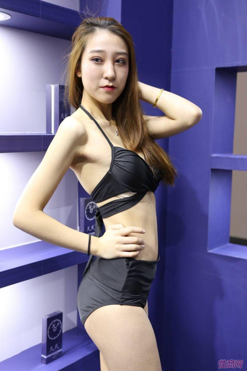2019上海成人展图片报道:美女模特图片6