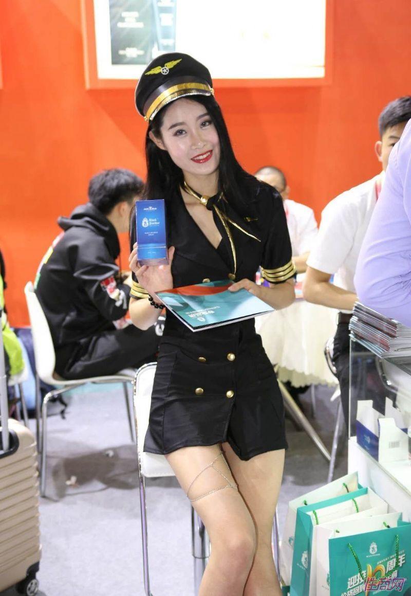 2019上海成人展图片报道:美女模特图片20
