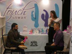 Swan展台