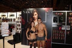 著名情趣内衣品牌Baci两位性感模特