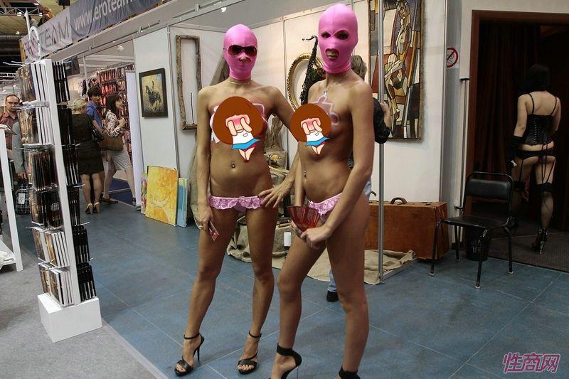 人体艺术是X-SHOW的一部分