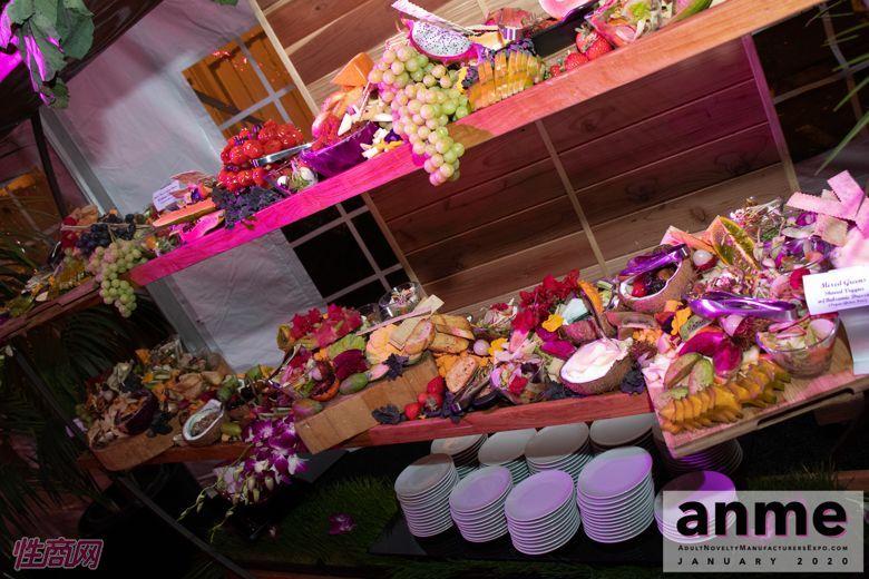 洛杉矶成人展ANME80年代主题派对 (13)