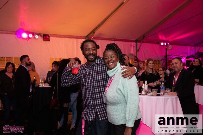 洛杉矶成人展ANME80年代主题派对 (87)