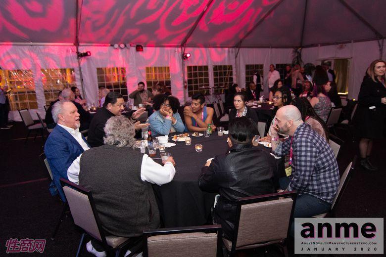 洛杉矶成人展ANME80年代主题派对 (98)