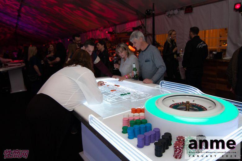 洛杉矶成人展ANME80年代主题派对 (102)