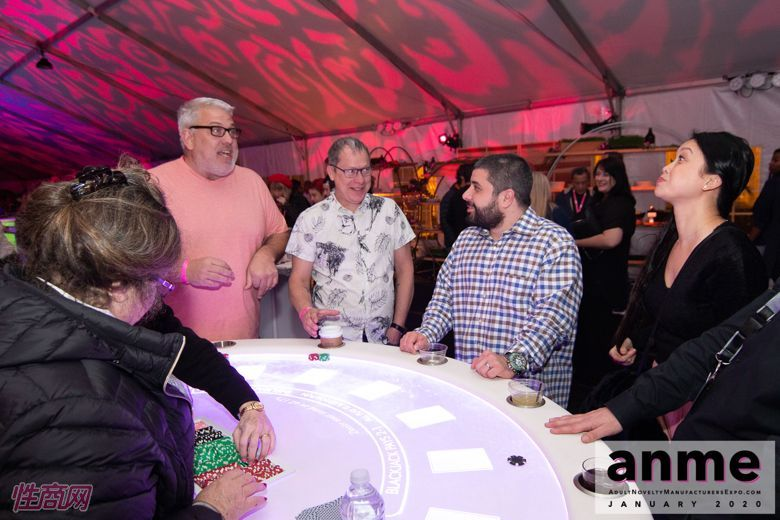 洛杉矶成人展ANME80年代主题派对 (104)