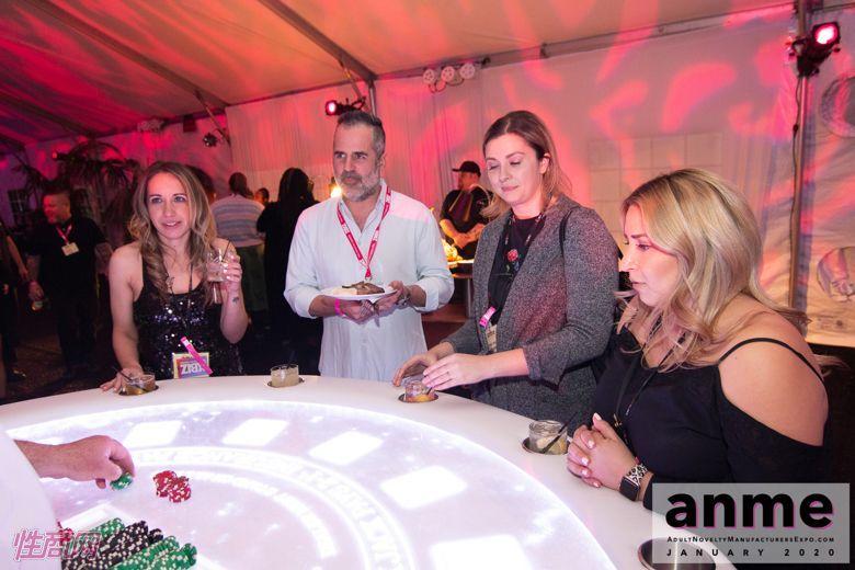 洛杉矶成人展ANME80年代主题派对 (108)