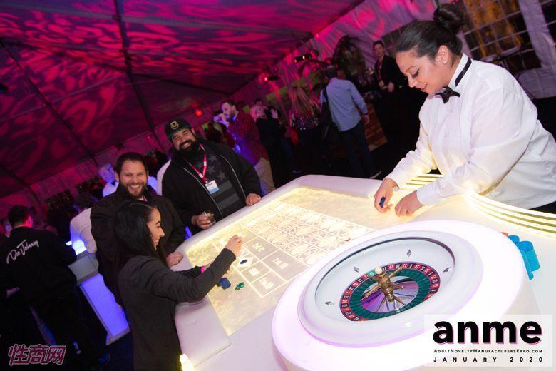 洛杉矶成人展ANME80年代主题派对 (109)