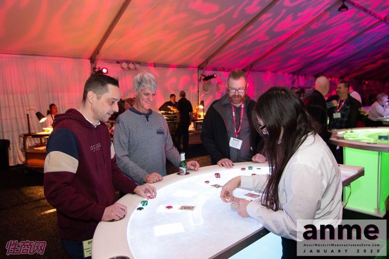 洛杉矶成人展ANME80年代主题派对 (114)
