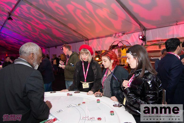 洛杉矶成人展ANME80年代主题派对 (115)