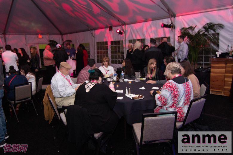 洛杉矶成人展ANME80年代主题派对 (116)