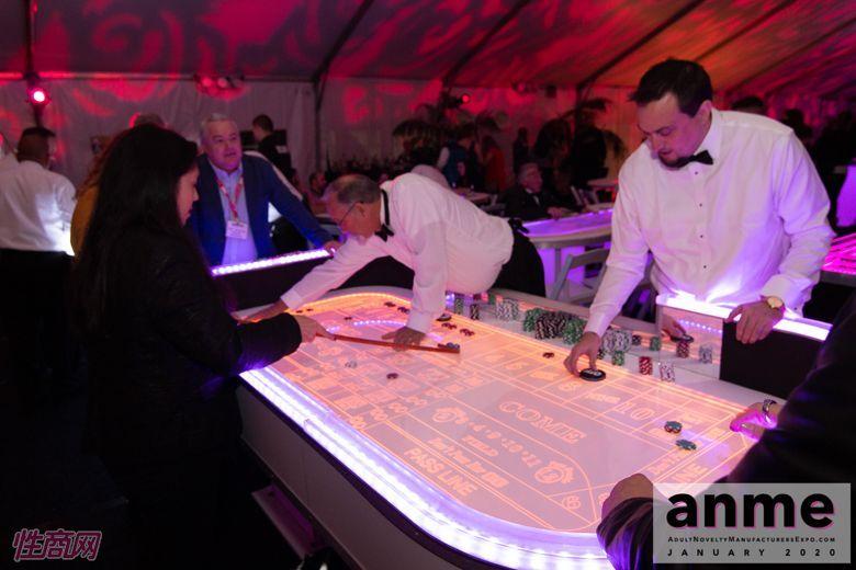 洛杉矶成人展ANME80年代主题派对 (117)