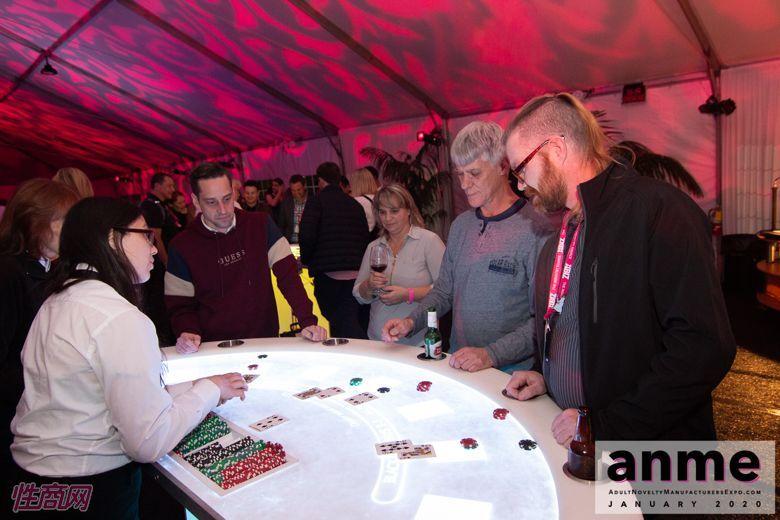 洛杉矶成人展ANME80年代主题派对 (119)