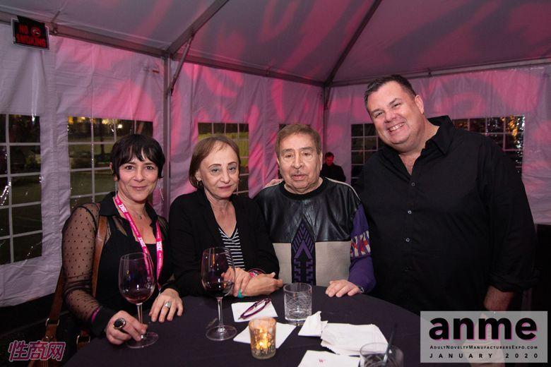 洛杉矶成人展ANME80年代主题派对 (131)